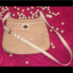 COACH Leather purse Hippie Crossbody F19265